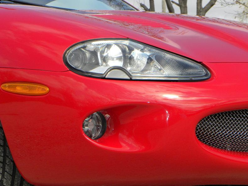 2000 Jaguar XKR Image 10