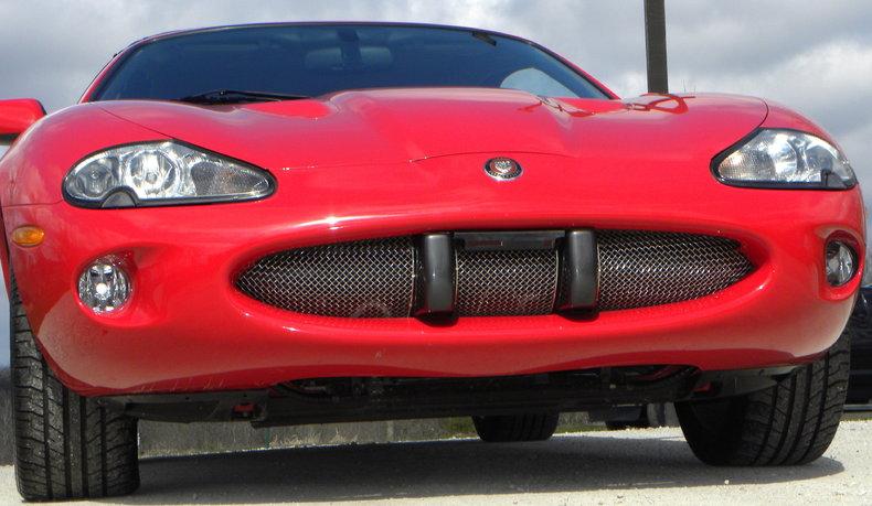 2000 Jaguar XKR Image 12
