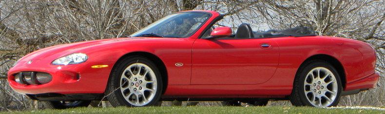 2000 Jaguar XKR Image 18