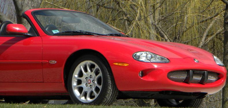 2000 Jaguar XKR Image 21