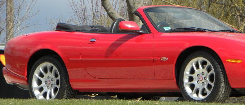 2000 Jaguar XKR Image 22