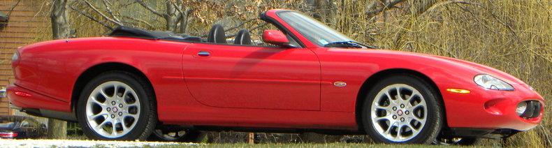 2000 Jaguar XKR Image 23