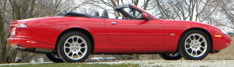 2000 Jaguar XKR Image 29