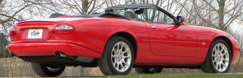 2000 Jaguar XKR Image 30
