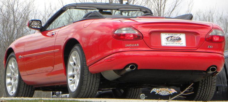 2000 Jaguar XKR Image 32