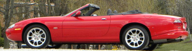 2000 Jaguar XKR Image 34