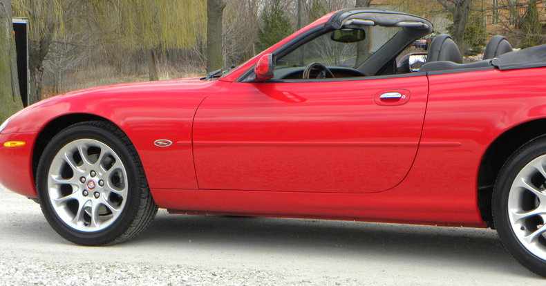 2000 Jaguar XKR Image 35