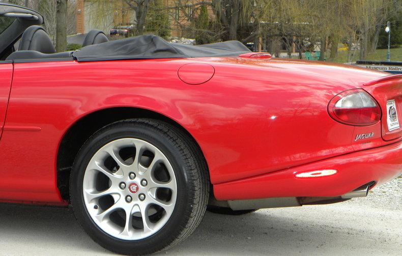2000 Jaguar XKR Image 36
