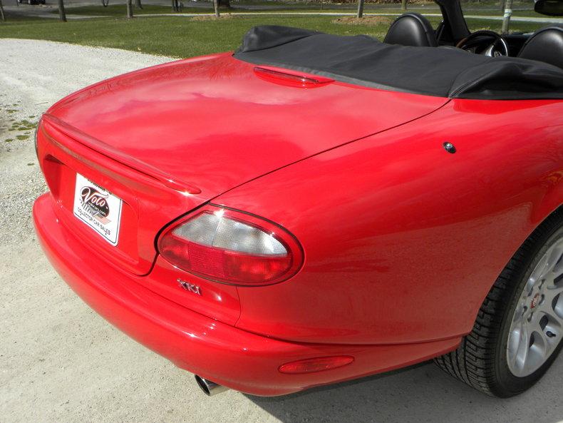 2000 Jaguar XKR Image 42