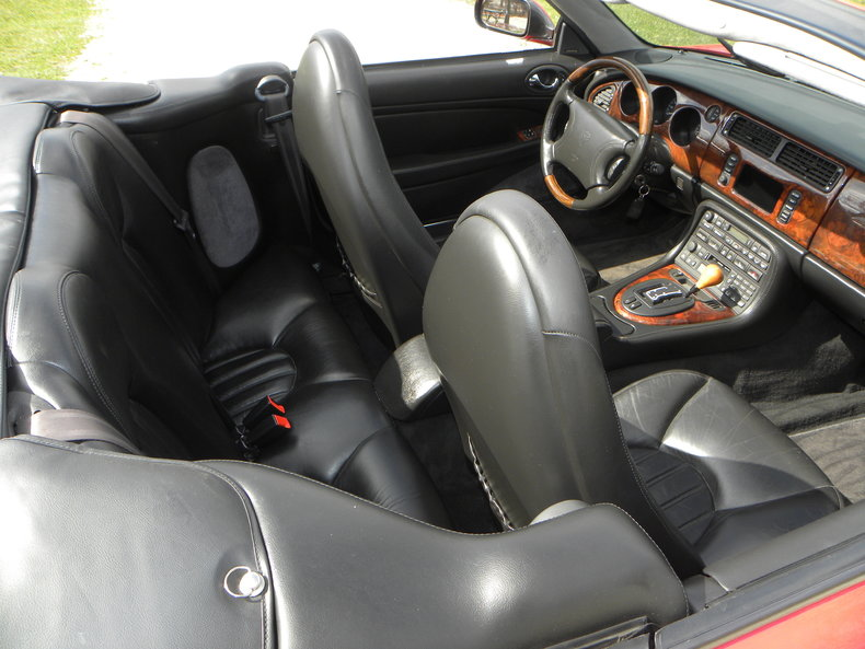 2000 Jaguar XKR Image 45