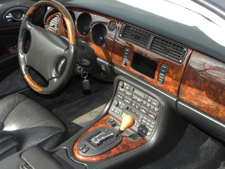 2000 Jaguar XKR Image 46