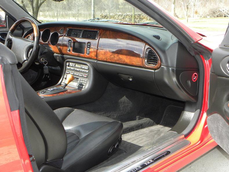 2000 Jaguar XKR Image 47