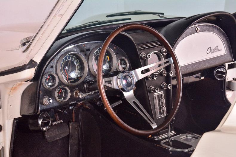 1964 Chevrolet Corvette Image 28