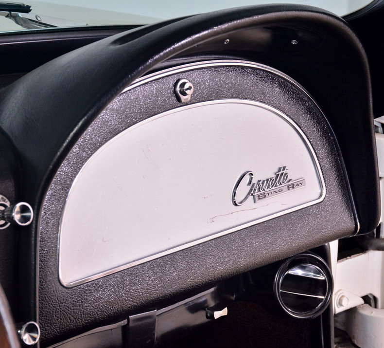 1964 Chevrolet Corvette Image 42