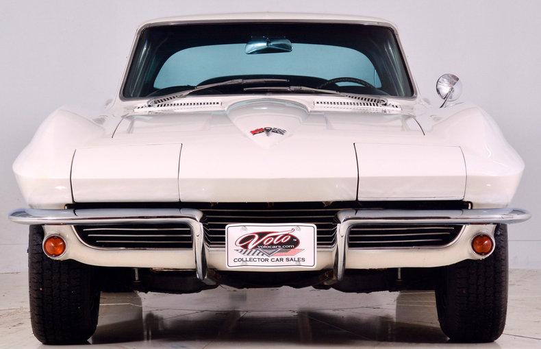 1964 Chevrolet Corvette Image 10