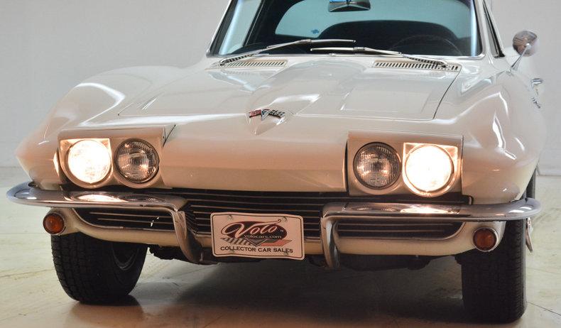 1964 Chevrolet Corvette Image 13