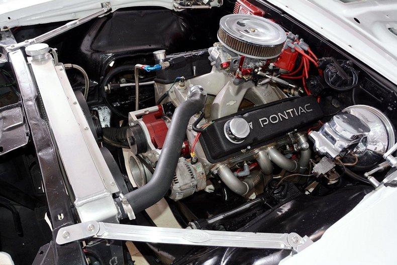 1967 Pontiac Firebird Image 11