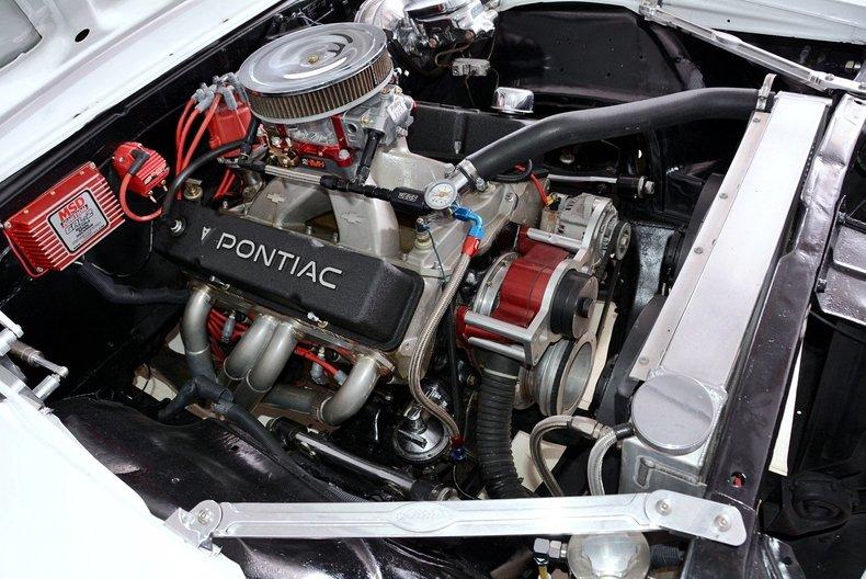 1967 Pontiac Firebird Image 12