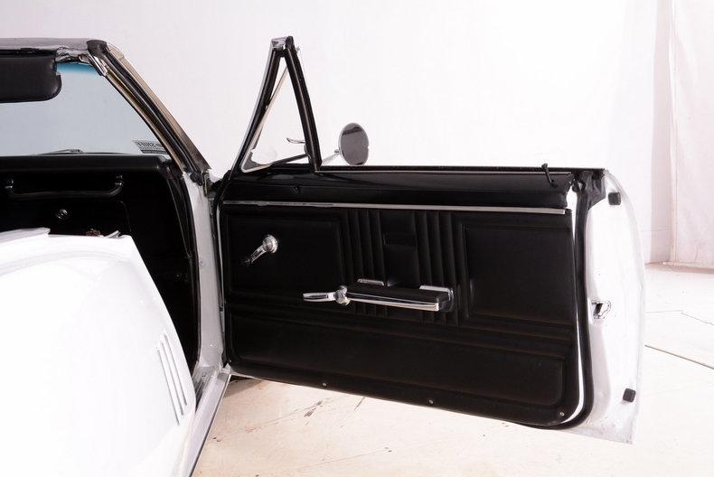 1967 Pontiac Firebird Image 32