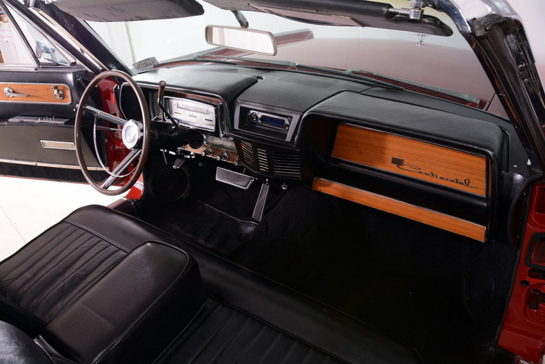 1962 Lincoln Continental Image 56