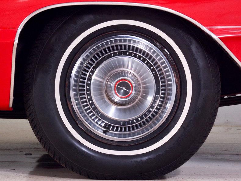 1966 Ford Thunderbird Image 12
