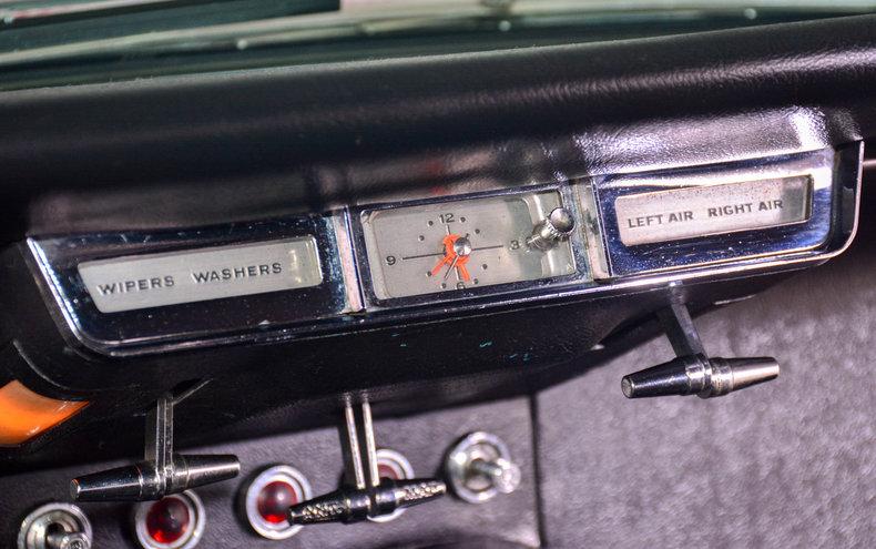1966 Ford Thunderbird Image 57