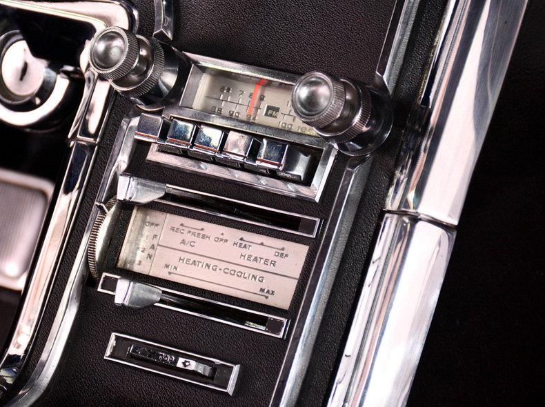 1966 Ford Thunderbird Image 13