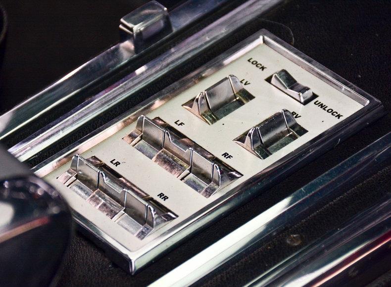 1966 Ford Thunderbird Image 41