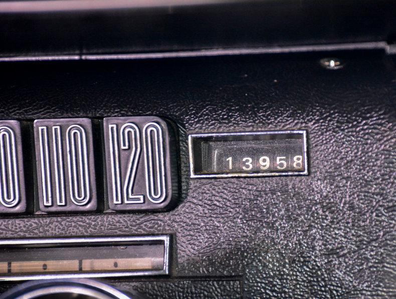 1966 Ford Thunderbird Image 18