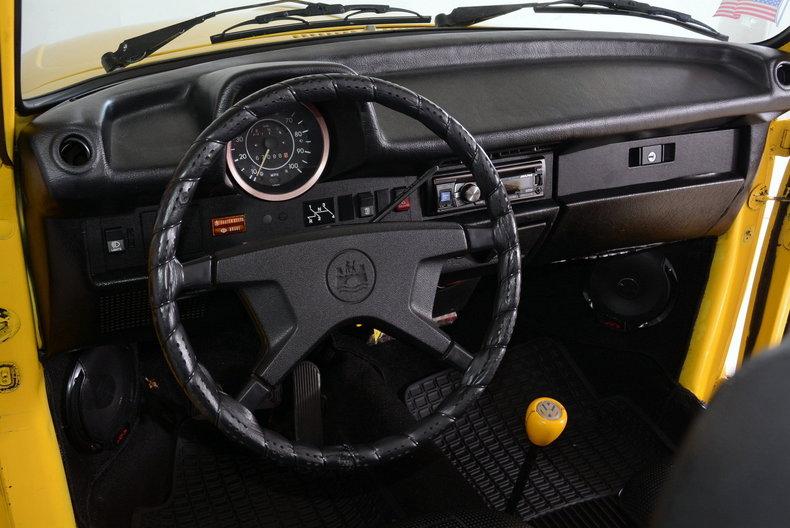 1974 Volkswagen Super Beetle Image 2