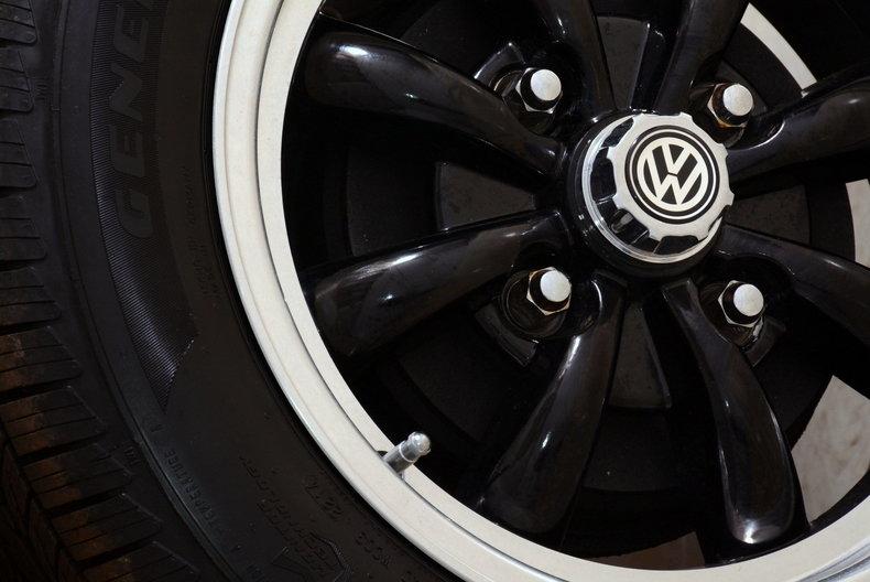 1974 Volkswagen Super Beetle Image 16