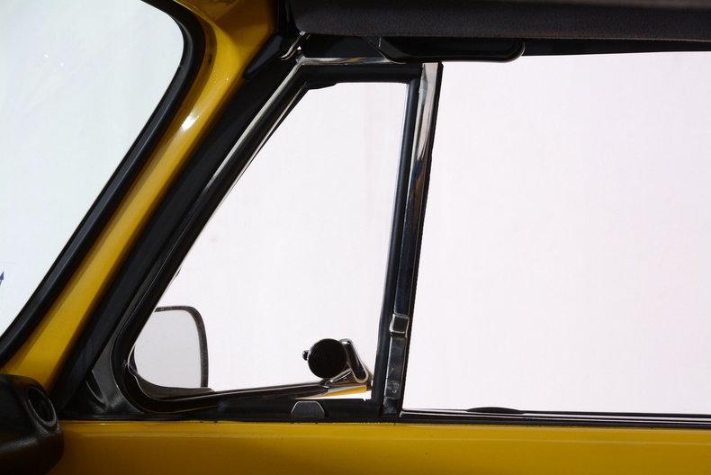 1974 Volkswagen Super Beetle Image 18