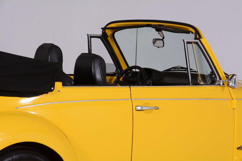 1974 Volkswagen Super Beetle Image 28