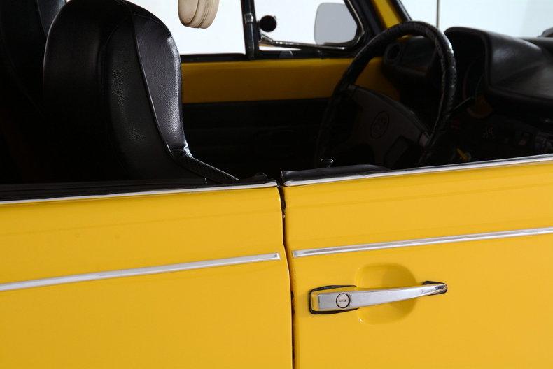 1974 Volkswagen Super Beetle Image 31