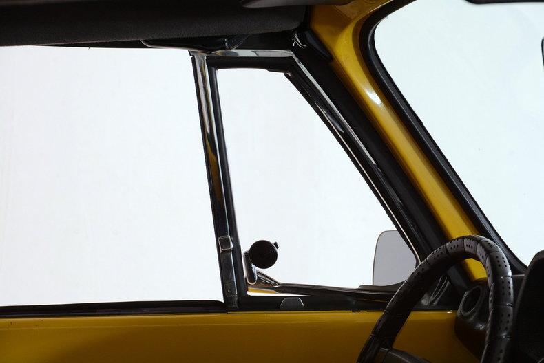1974 Volkswagen Super Beetle Image 46