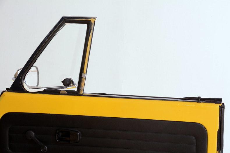 1974 Volkswagen Super Beetle Image 61