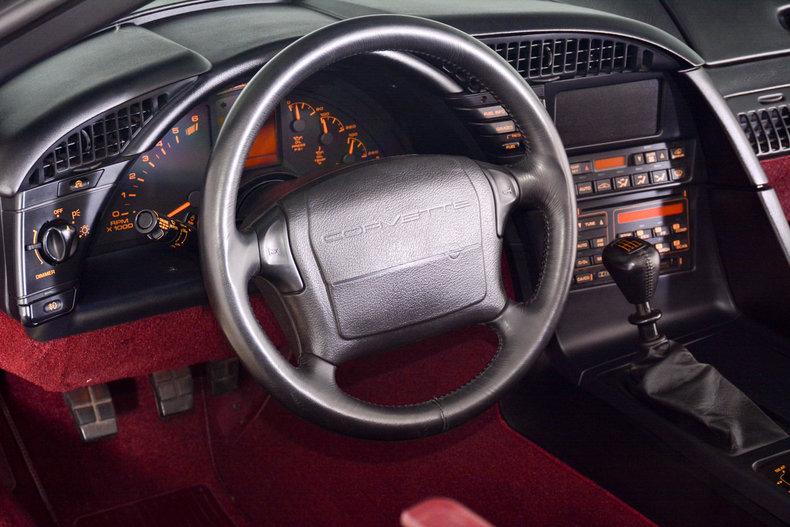 1993 Chevrolet Corvette Image 2