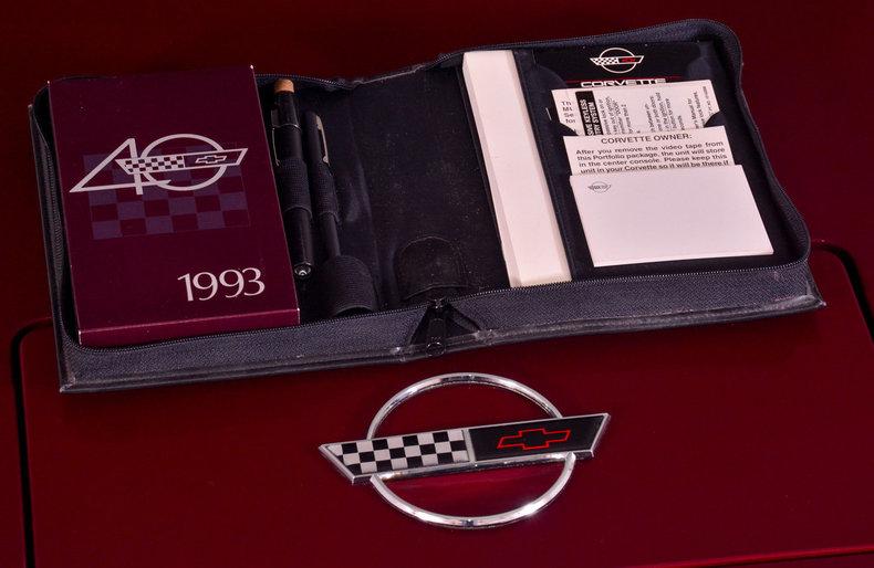1993 Chevrolet Corvette Image 11