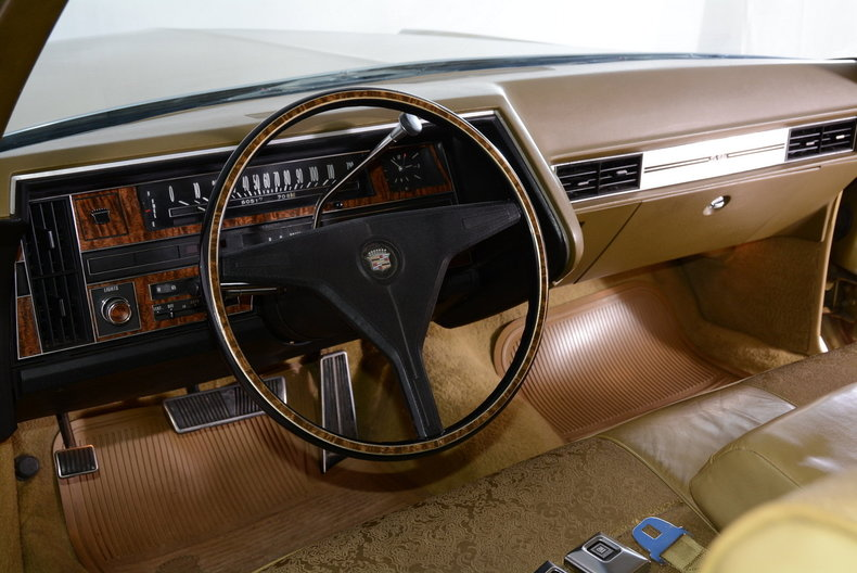 1970 Cadillac Sedan deVille Image 2