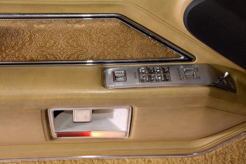 1970 Cadillac Sedan deVille Image 12