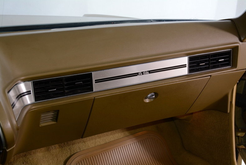 1970 Cadillac Sedan deVille Image 21