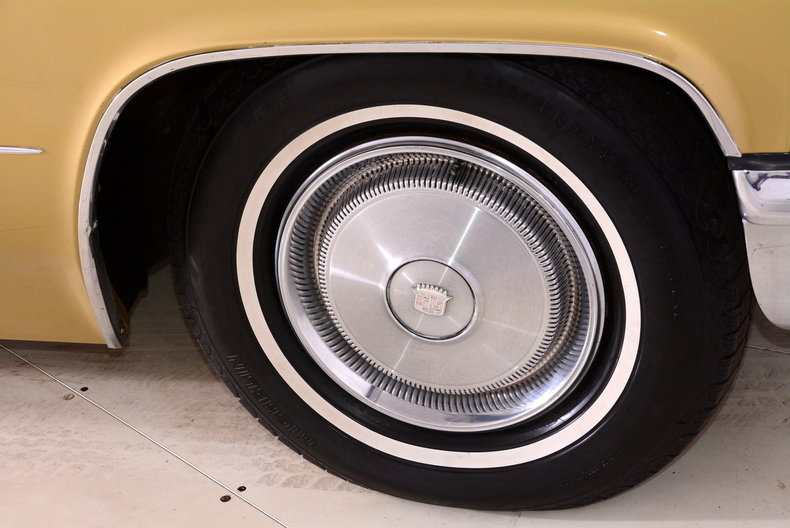 1970 Cadillac Sedan deVille Image 30