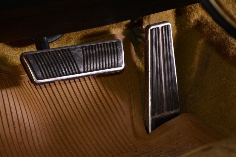 1970 Cadillac Sedan deVille Image 34