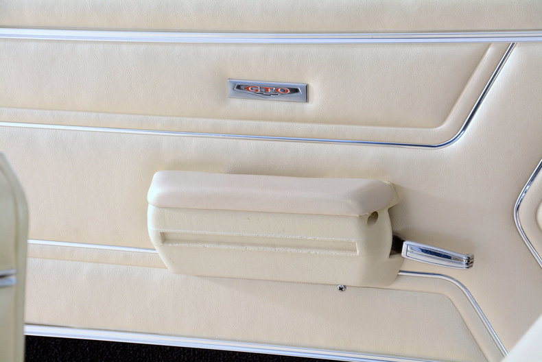 1969 Pontiac GTO Image 30