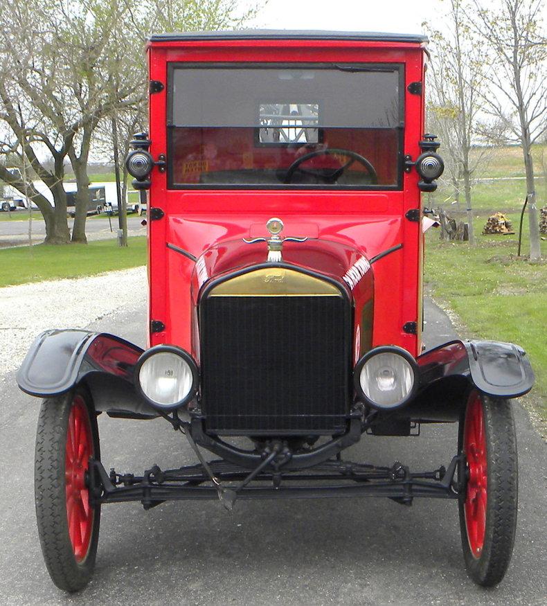 1925 Ford Model TT Image 2