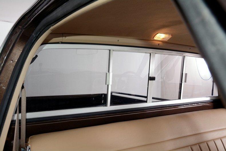 1984 Chevrolet Silverado Image 12
