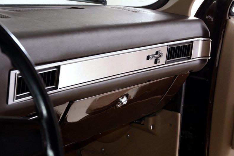 1984 Chevrolet Silverado Image 13