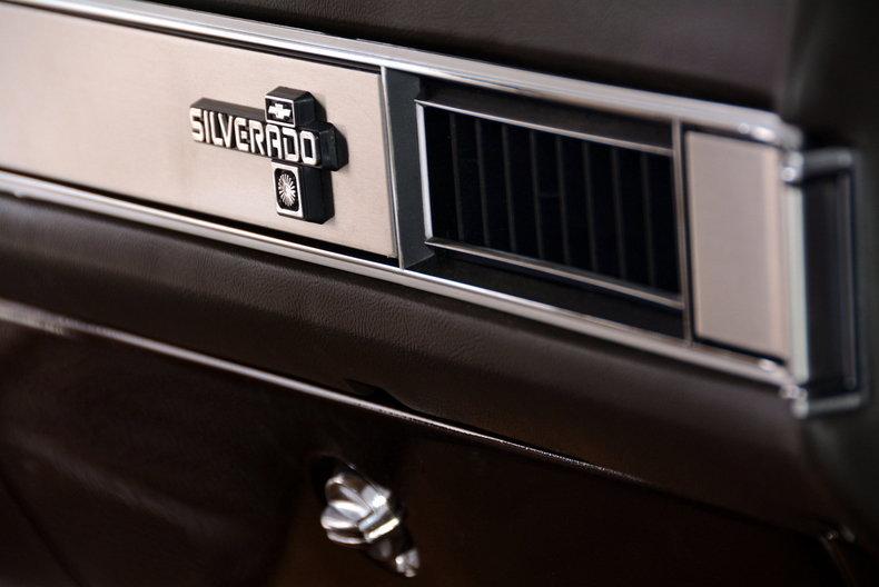 1984 Chevrolet Silverado Image 30