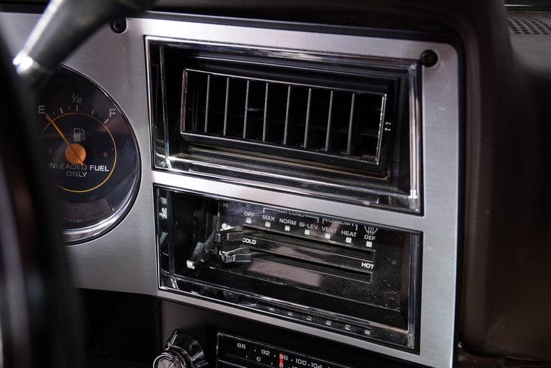 1984 Chevrolet Silverado Image 38