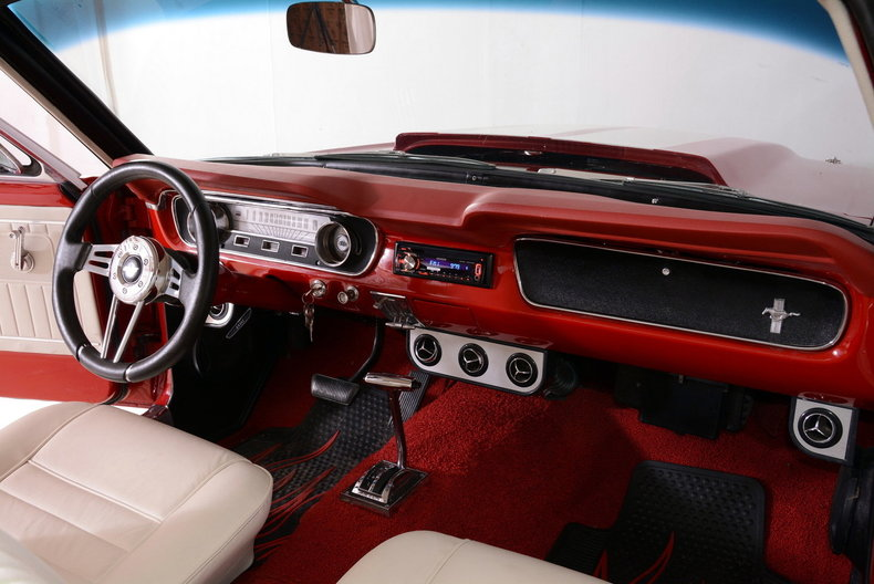1965 Ford Mustang Image 23